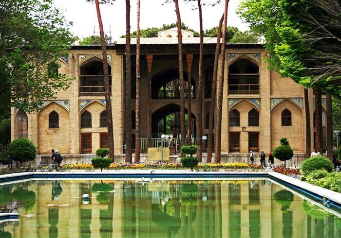 Hasht-Behesht-palace-isfahan-12183568